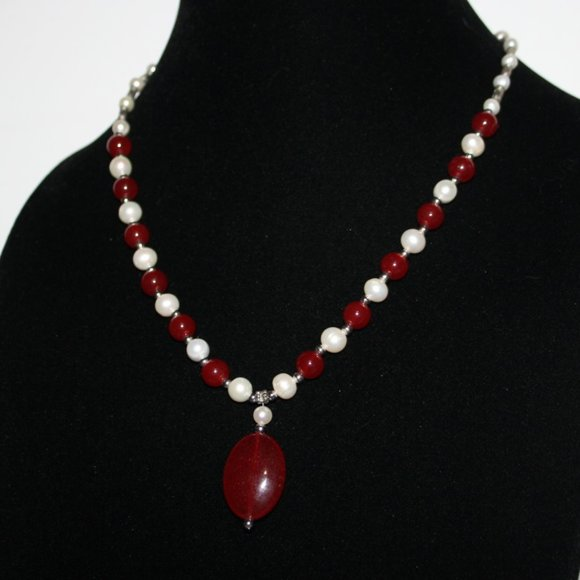 """Beautiful natural pearl and stone necklace 19"""""""